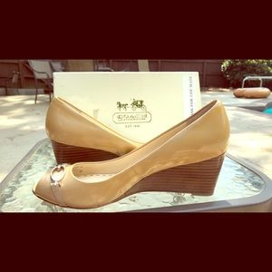 New In box - Coach Wedge heals